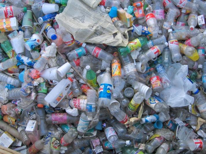pile-of-trash-1568889